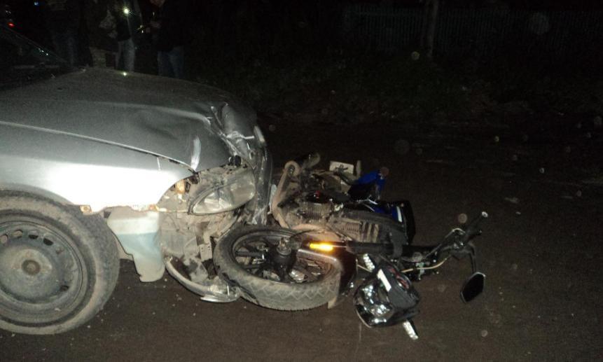 ВАрхангельске столкнулись мотоцикл ииномарка