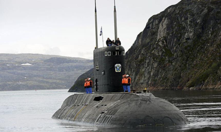 Подводные лодки Северного флота устроили  дуэль под водой